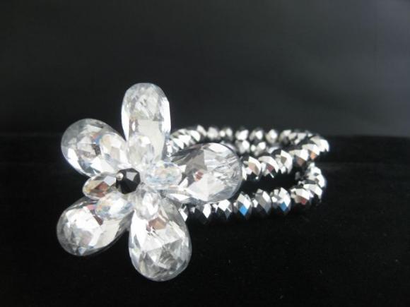 Crystal_Flower_Stretch_Bracelet.JPG