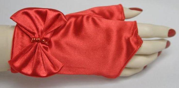 red_fingerless_wrist_bow.jpg