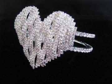 bleadingheartbracelet